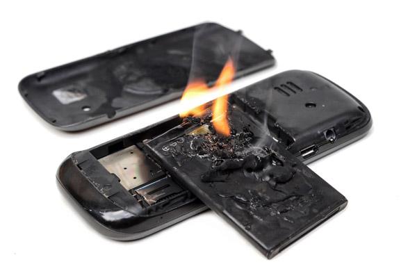 آشنایی با ویژگی های باتری موبایل خراب